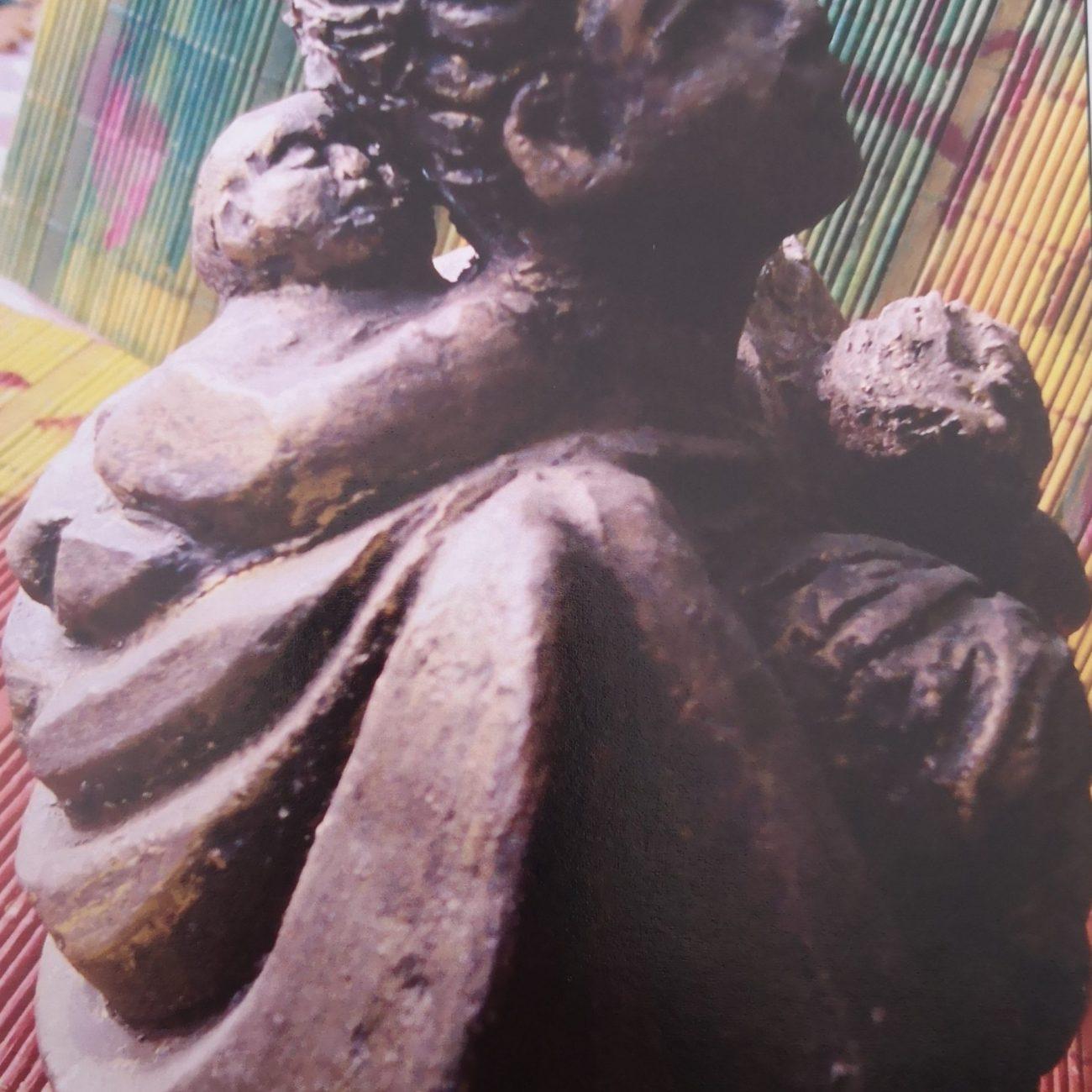 Çocuklu Venüs Teknik:Seramik Ölçü:20x20x10 cm Fiyat:1500 TL