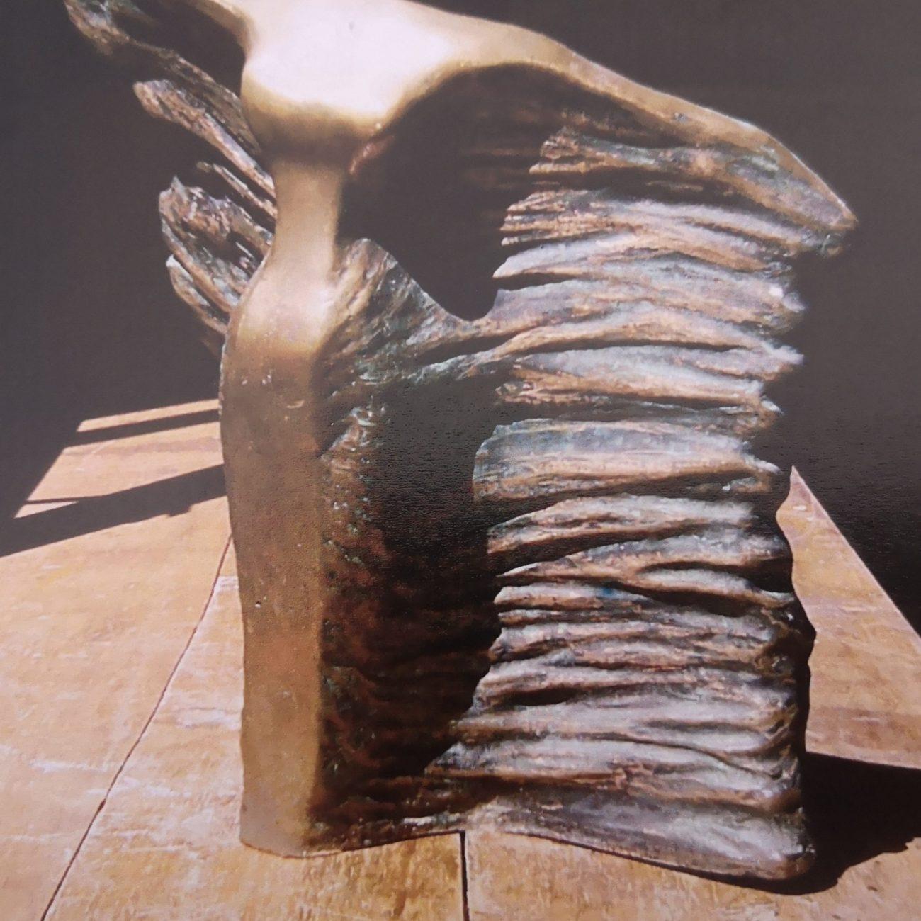 Uçan Venüs  Teknik:Bronz Ölçü:25x2510 cm  Fiyat:10000TL