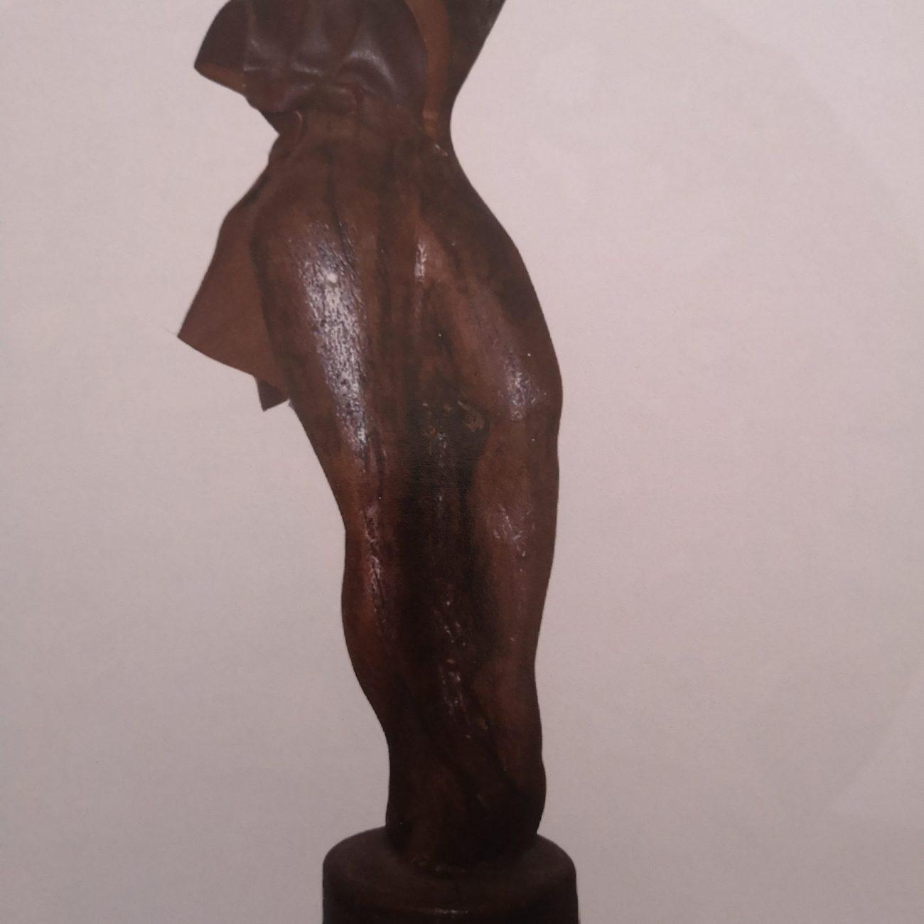 Manken Venüs  Teknik:Ceviz Ölçü:45x15x10 cm  Fiyat:6000 TL