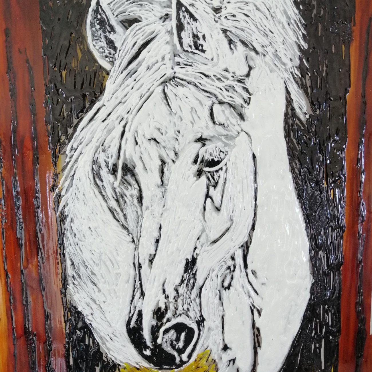 Beyaz At Başı  Ölçü:28,5 x 46 cm