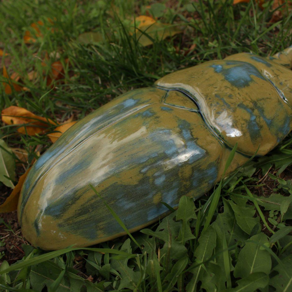 Esra Gül Köseaydın  Insecto Teknik:Döküm yolu ile şekillendirme Ölçü:33x14x6 cm