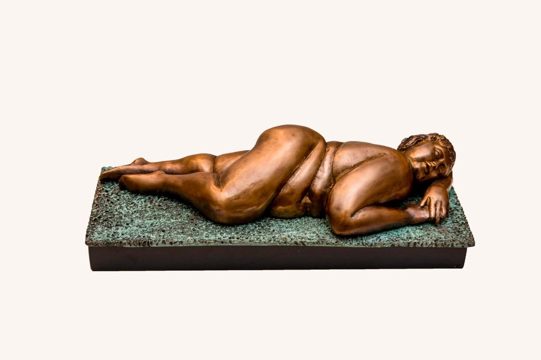 Rosy Maçoro Çimende Sere serpe Ölçü:14 x 15 x 39 cm Teknik:Bronz Fiyat:14.160 TL
