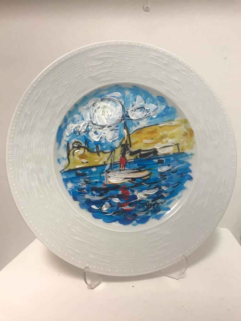 Ümit Gezgin  Teknik : Porselen Tabak Üzeri Akrilik Boya Ölçü :  Çap 21 cm  Fiyat : 295 TL