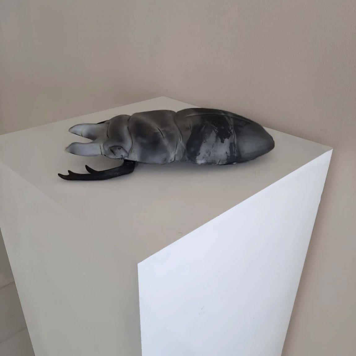 Sanatçı : Esra Köseaydın Gül -  Eser Adı: Bugy - Teknik:  Döküm Tekniği ile Şekillendirme Sagar Pişirimi Ölçü: 40 x 17 cm H:8cm-  Fiyat : 5.900  TL