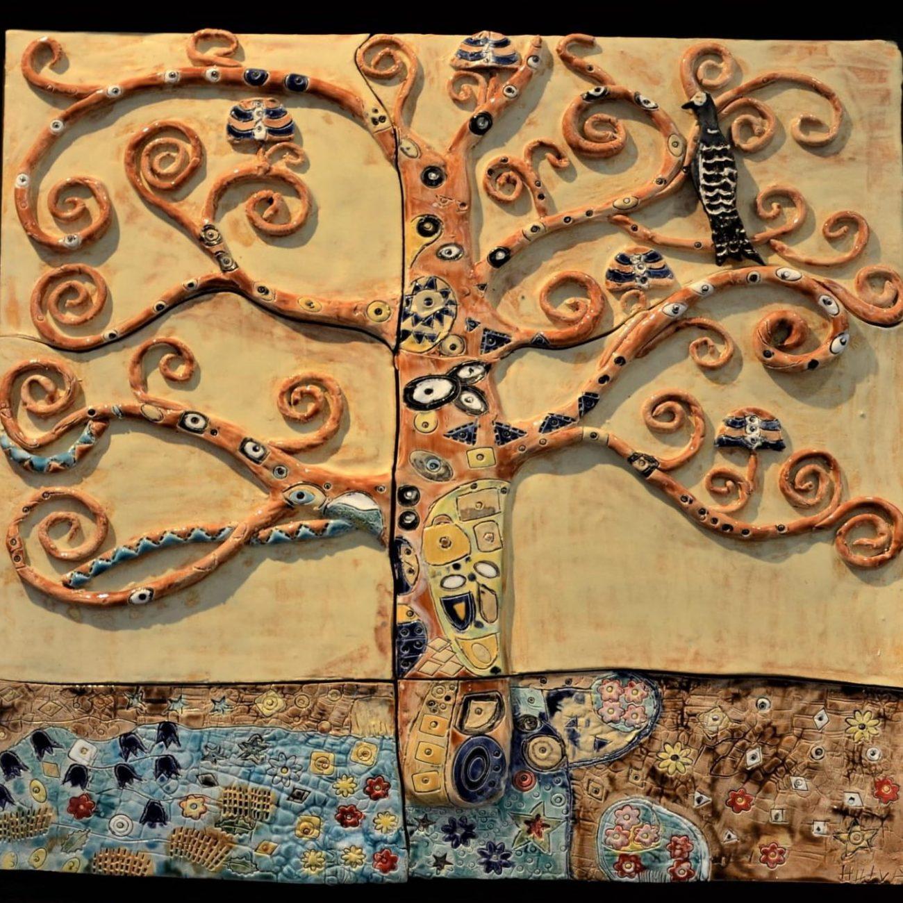 Gustave Klimt Hayat Ağacı Esinlenme Teknik:Beyaz Çamur Rölyef Tekniği , Sır Boyama Ölçü :55 x 40 cm  Fiyat :1500 TL