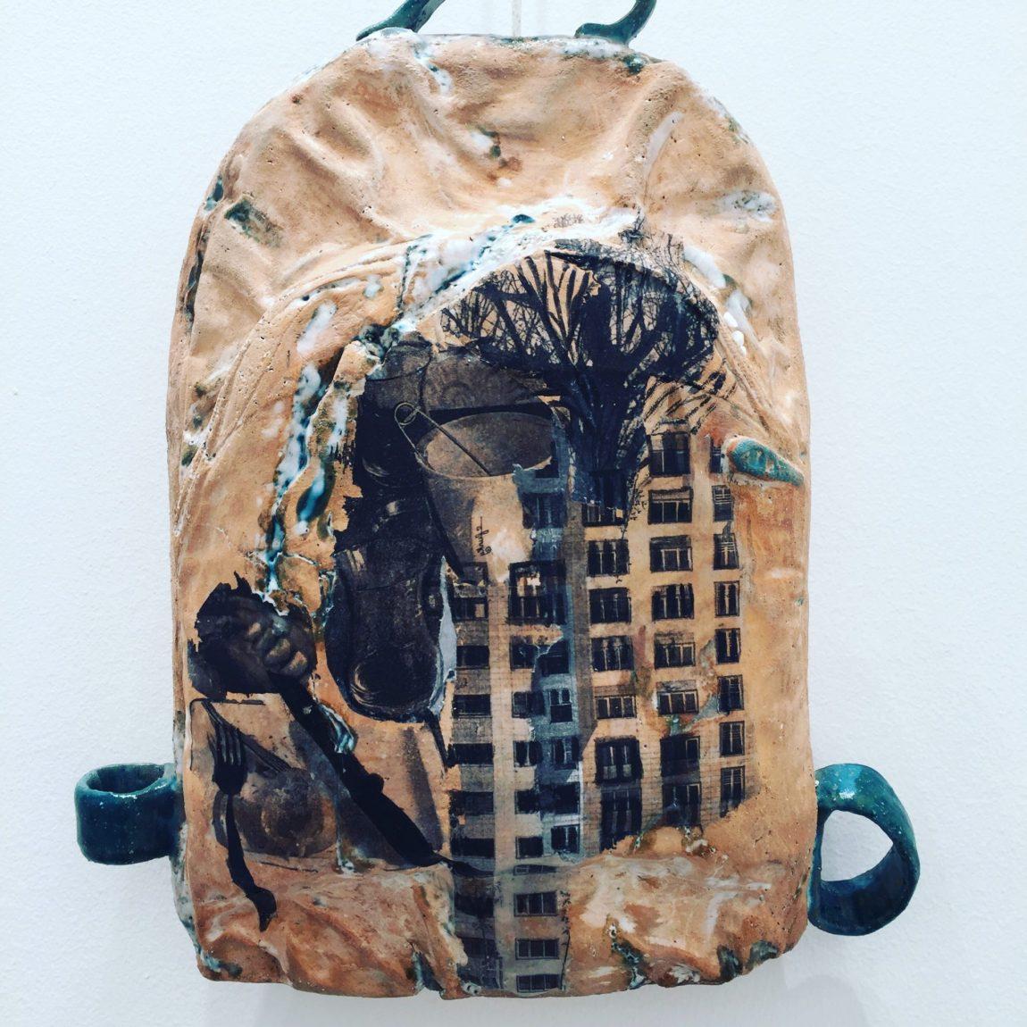 Meliha Coşkun Sırt çantası Teknik : Seramik Ölçü:45x28x14  Fiyat:5.310 TL