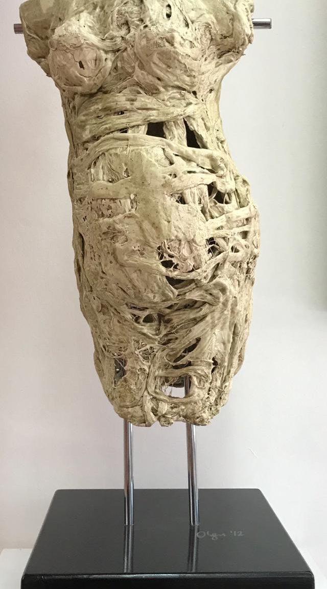Olgu Sümengen Berker Teknik: Seramik - heykel Boyut:105 cm  Fiyat:10.026 TL