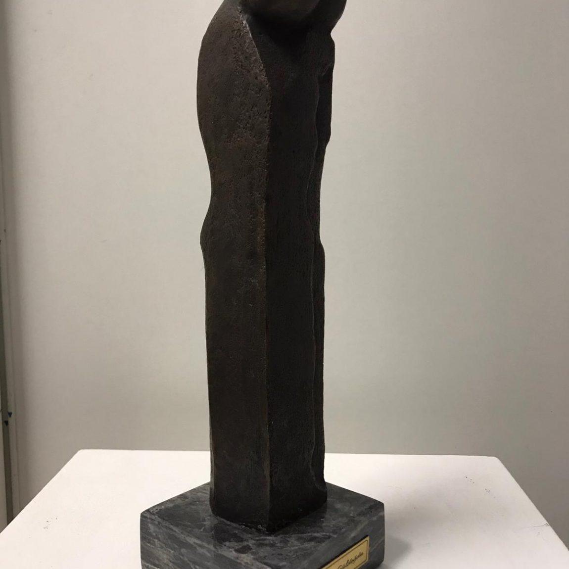 Zeynep Güldoğdu Teknik:Bronz - heykel  Ölçü: 48 cm  Fiyat:5.310 TL